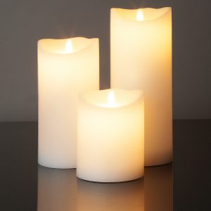 3 Große LED Kerzen weiss (Ø: 10 cm)