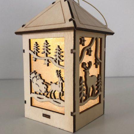 Holzhaus mit LED Licht (Rentier)
